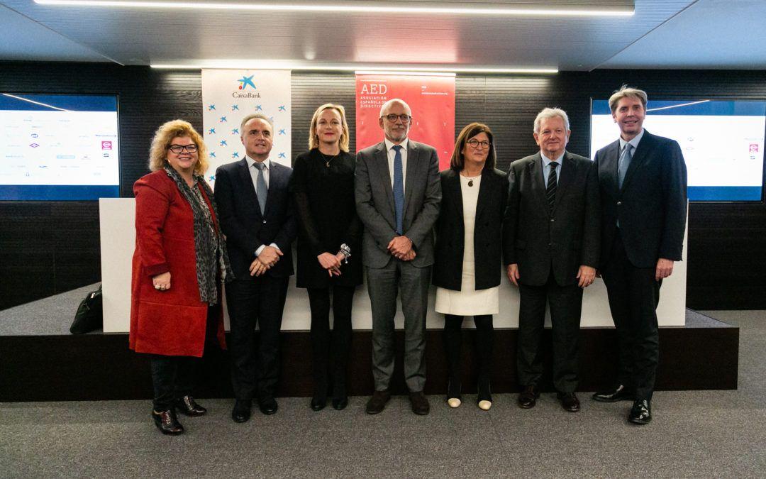 El informe 'La profesión directiva: reflexiones y experiencias para una carrera de fondo' llega a València